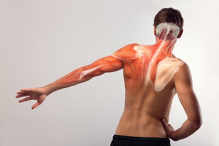 gerinc melletti szúró fájdalom)