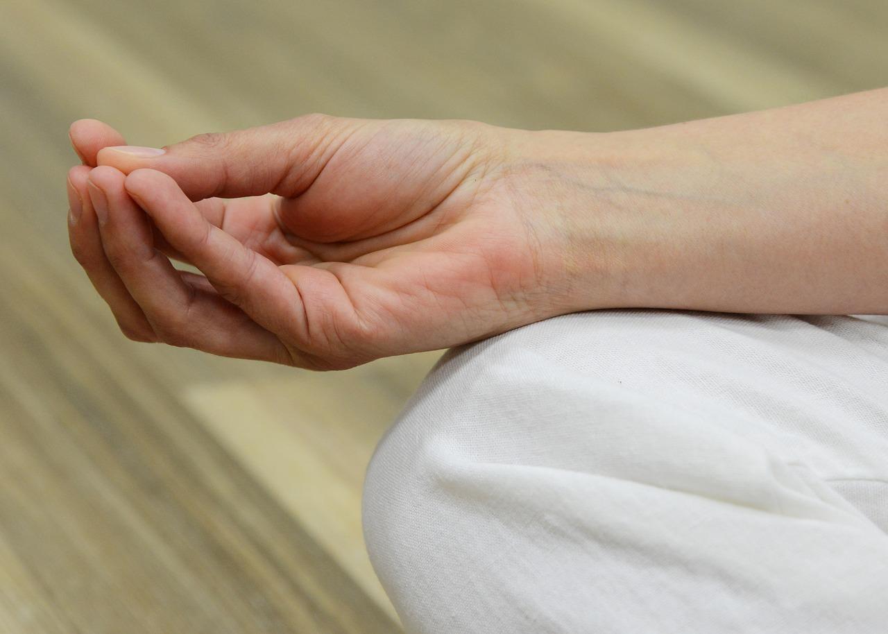 a középső ujj ízületének ízületi kezelése