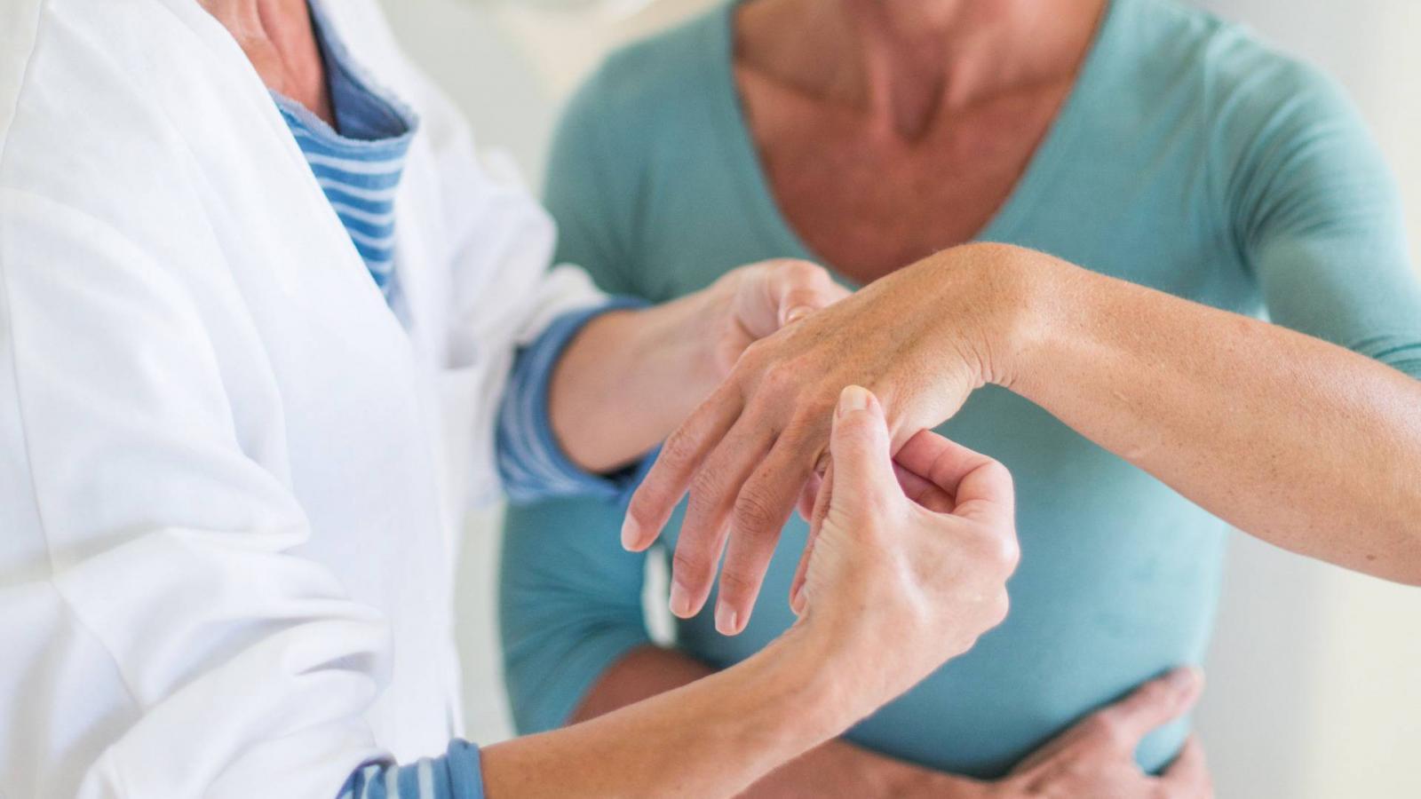 térdízületek deformáló ízületi tünetei