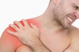 fájdalom a vállízületeken és a háton)