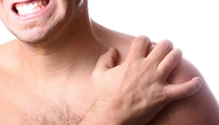 fájdalom a vállízület gerincének térdízületeiben)