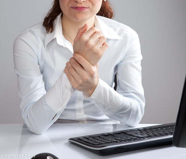 a csípőízületeket ülő munka miatt fáj