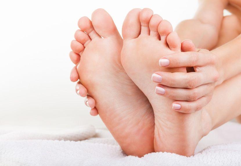 fájdalom a nagy lábujj metatarsofalangealis ízületében)