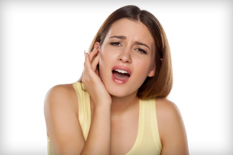 fájdalom a fülben az ízület rágása közben