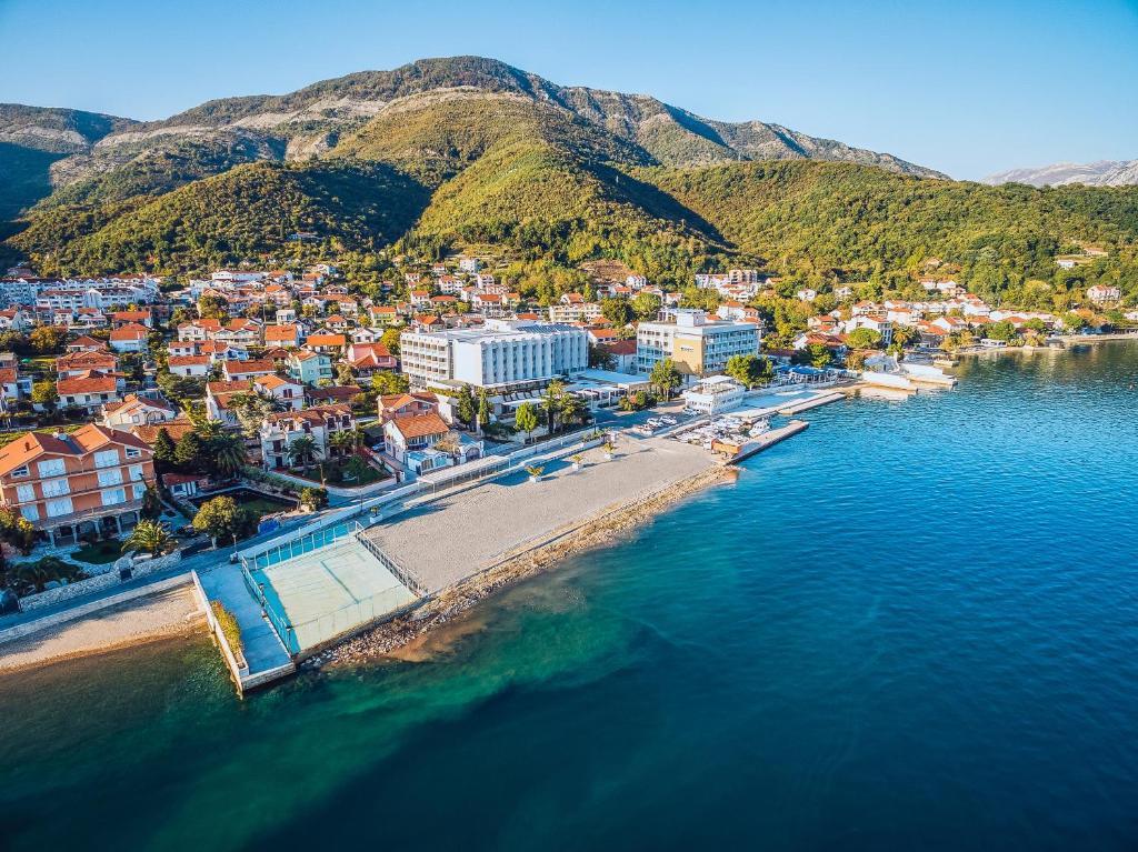 montenegro közös kezelés)