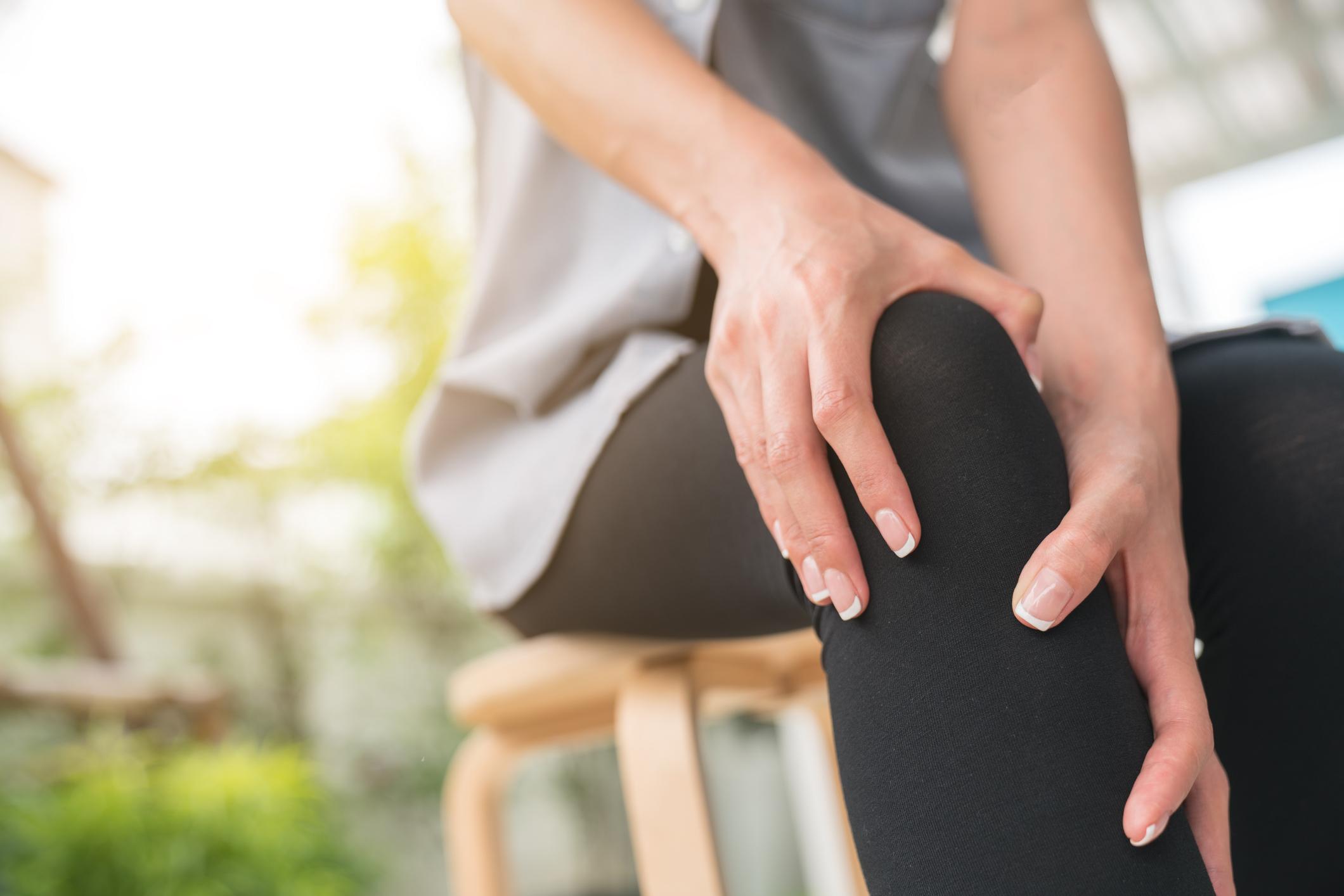 amely segít az ízületi fájdalmaktól
