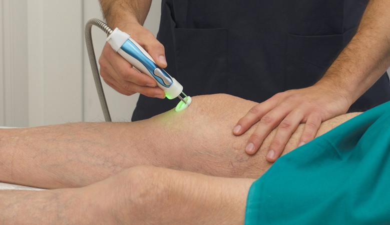 térdízületi lézeres kezelés)