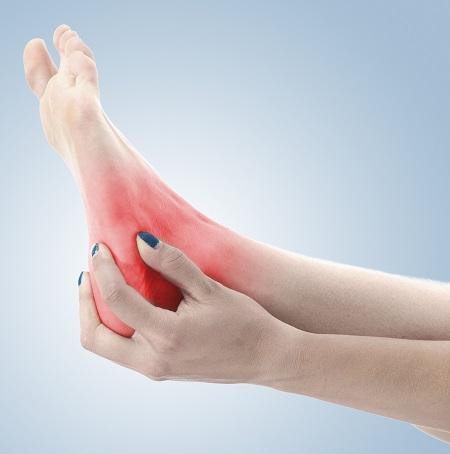 fájdalom a bokaízület kezelése közben)