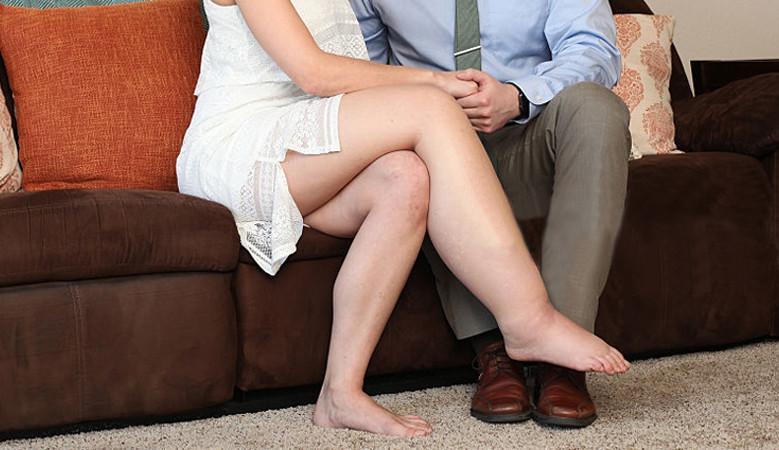 a lábak duzzanata fájdalmas ízületekkel)