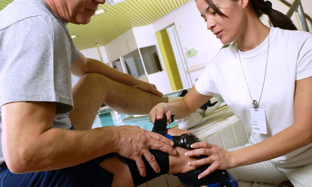 a lábak minden ízülete megsértette a férjét az ujjak artrózisának dimexidkezelése