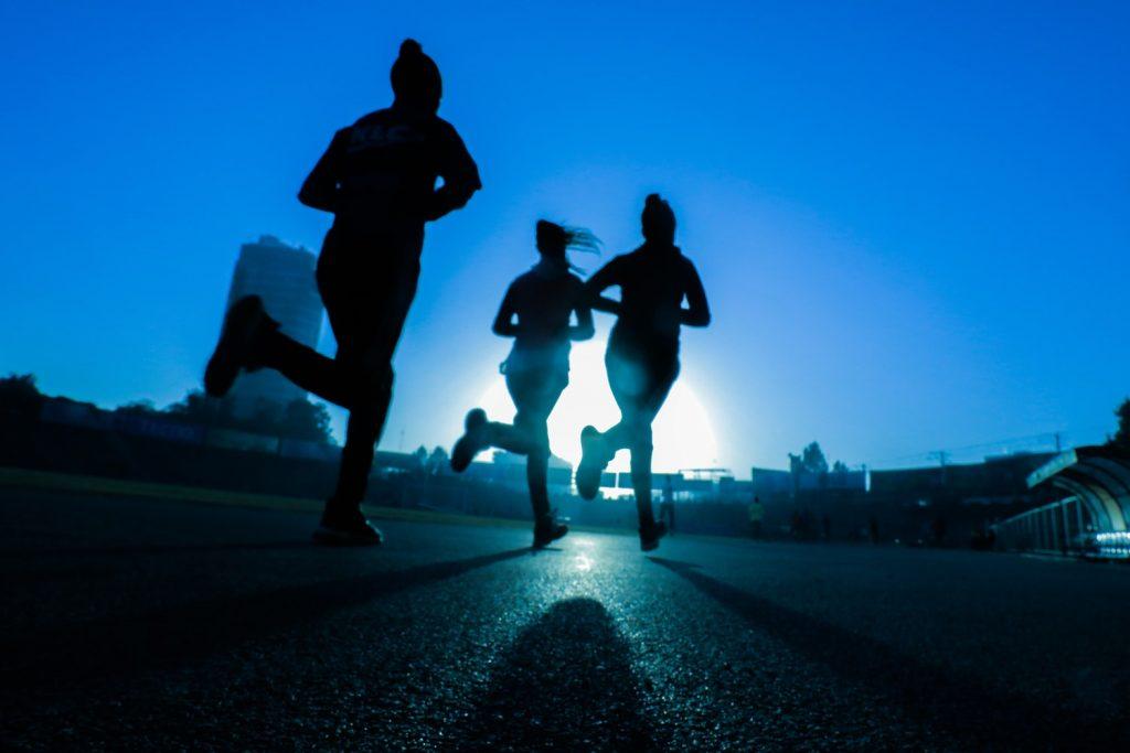 fájó ízületek futás közben)