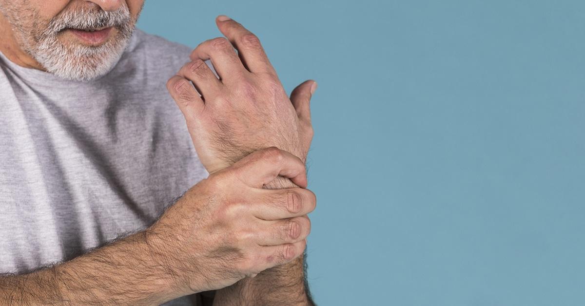 ízületi fájdalom és általános gyengeség