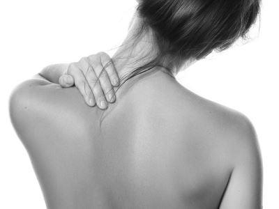 gyomorfájdalom az ízületi fájdalomtól)