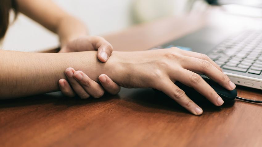 Májgyulladás - Okok, tünetek és kezelés