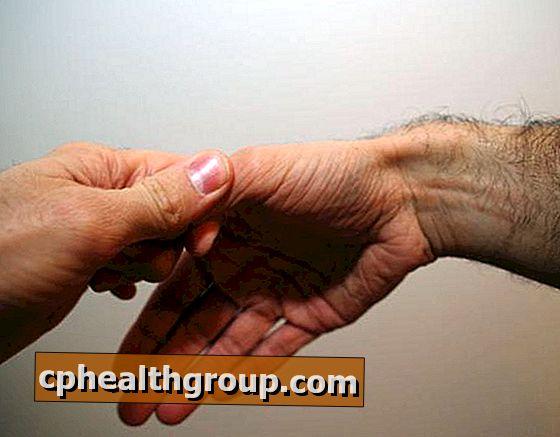 fájdalom a kéz kis ízületeiben kenőcs az ízületi gyulladás és ízületi gyulladás esetén