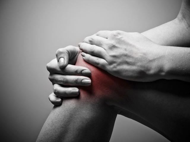 hogyan kezeljük otthon a lábak és a karok ízületeit