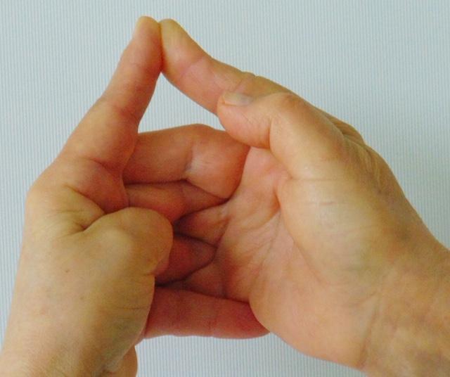 az ujjak vállízületének fájdalma