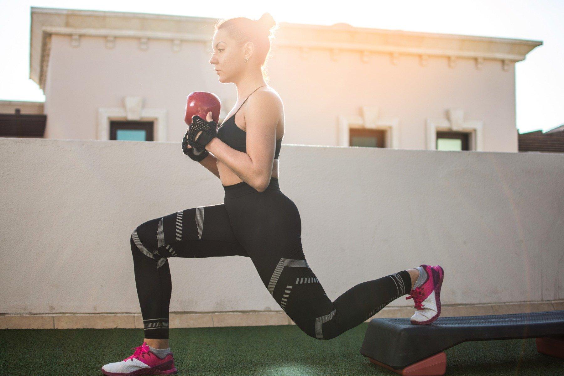 Súlyzós edzés nőknek - Fogyókúra | Femina