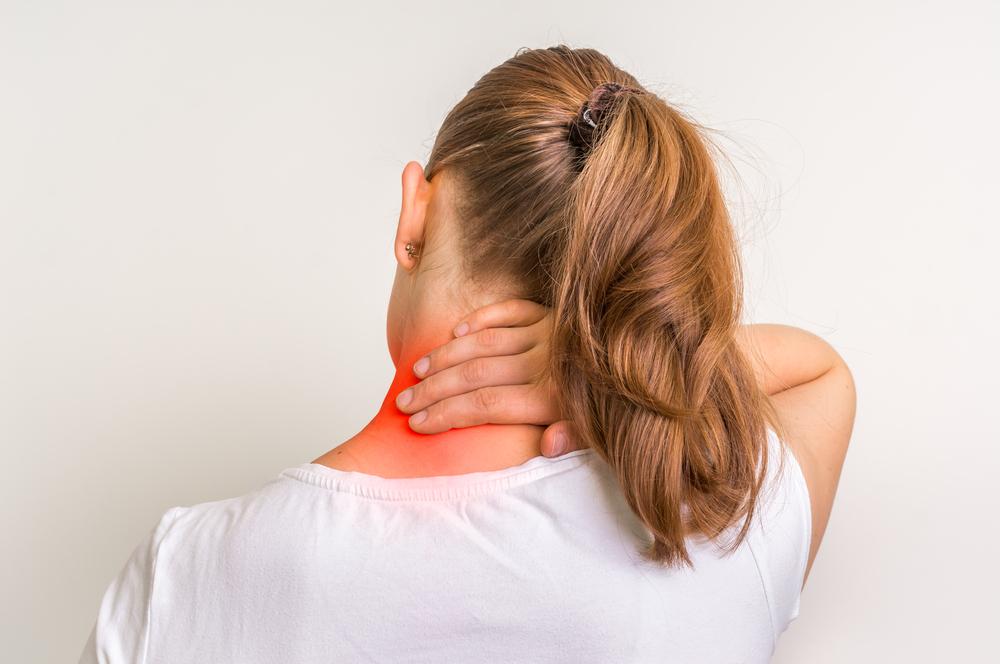 nyaki merevség és fájdalom)