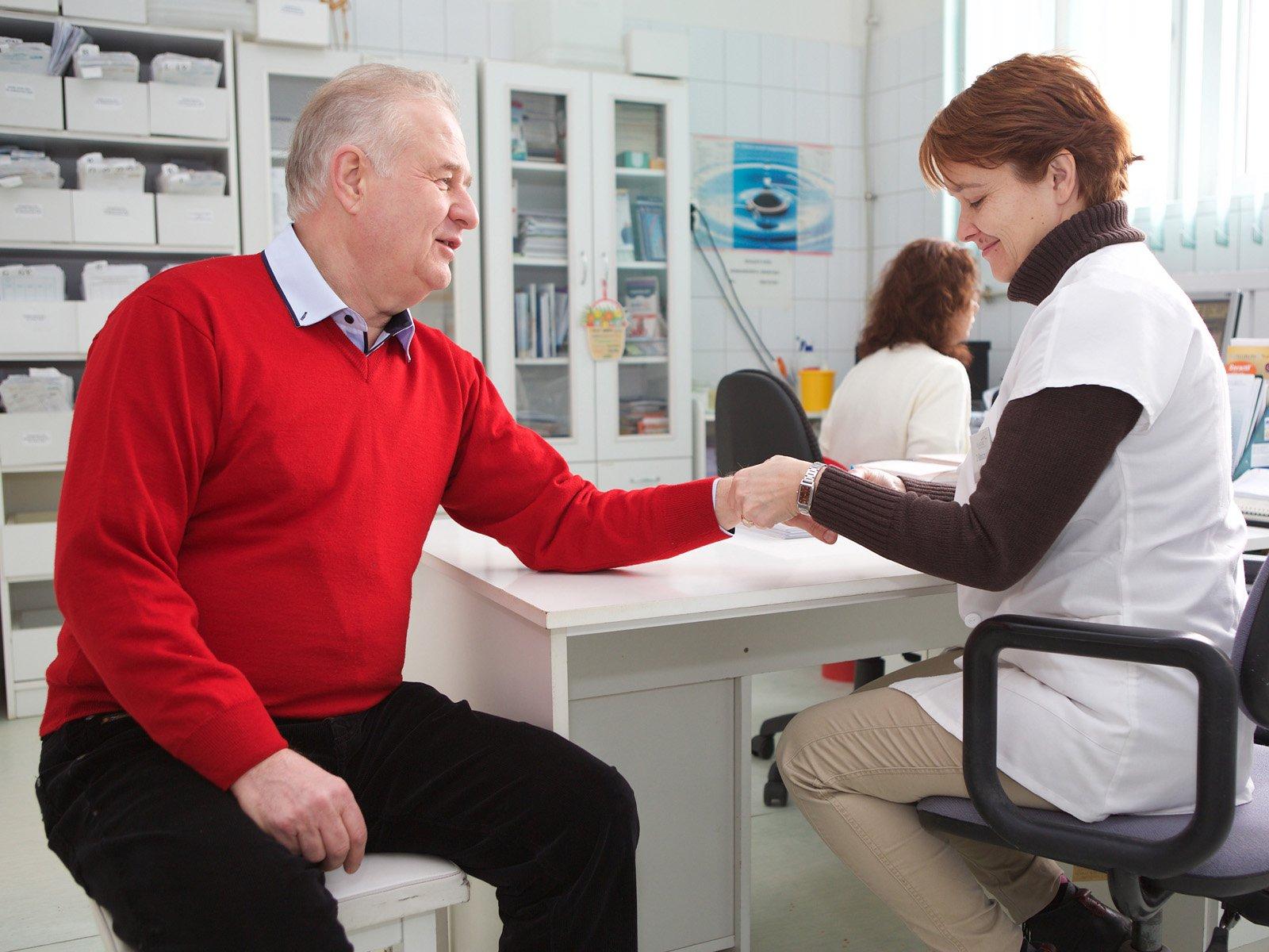 ízületi fájdalom az őszi-tavaszi időszakban szteroid injekció térdbe