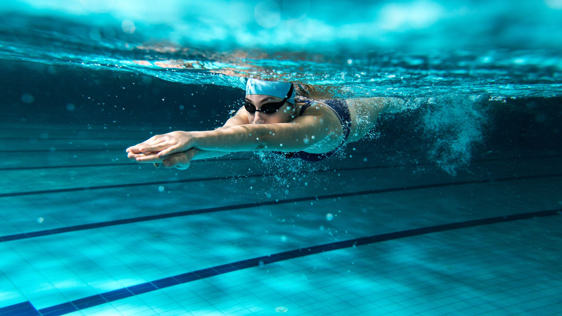 úszás fájdalommal a csípőízületben