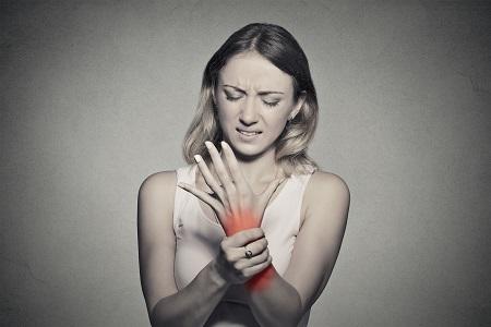 az erőemelő ízületek fájdalma