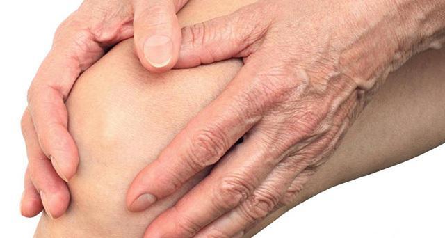 az ujj artritiszének megjelenése miatt a karon)
